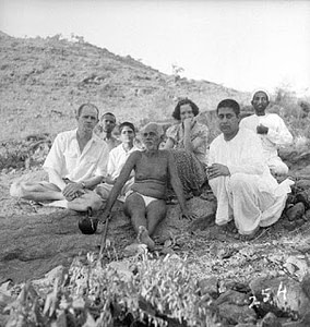 Bhagavan with devotees