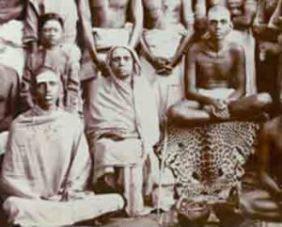Alagammal with Bhagavan & devotees